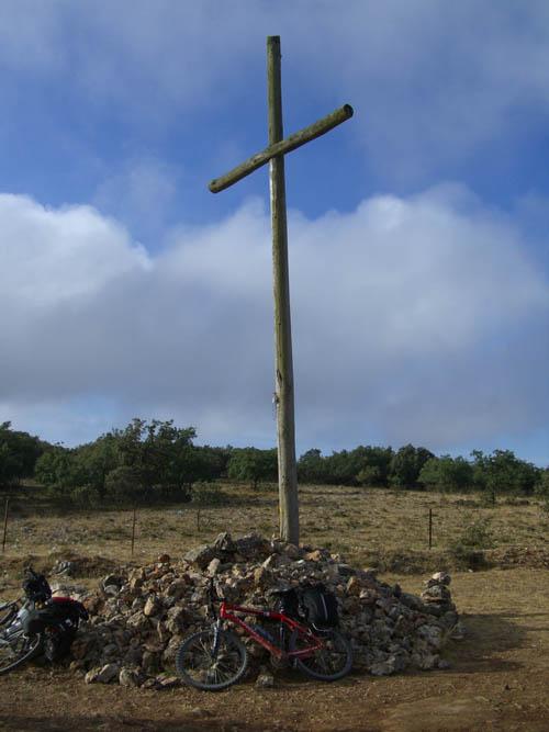 la croce in cima alla Sierra de Atapuerca